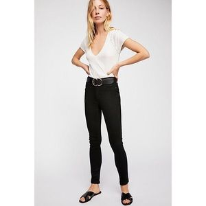NWT Free People Long and Lean Black Jegging